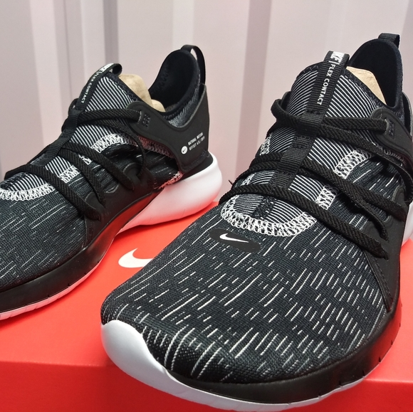 Nike Flex Contact 3. New. Women Sizes: 8 - 9.5.